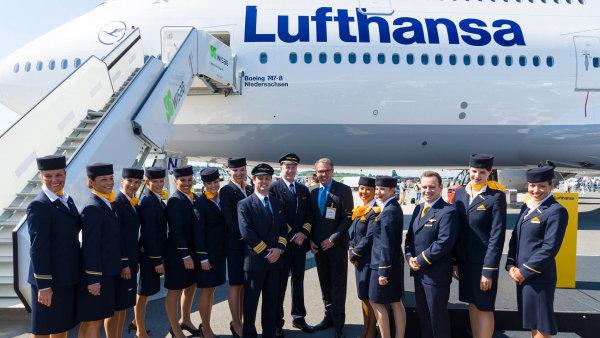 Lufthansa se v posledn�m roce a p�l pot�kala p�edev��m se st�vkami pilot�, kter� spole�nosti zp�sobily �kody v ��du stovek milion� eur - Ilustra�n� foto.