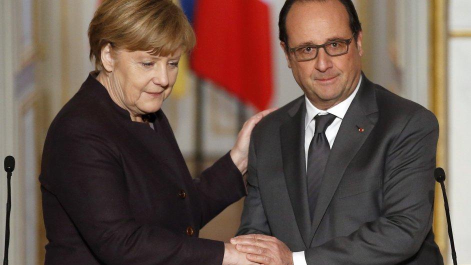 Německá kancléřka Angela Merkelová a francouzský prezident Francois Hollande na setkání v Elysejském paláci.