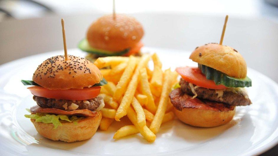 hamburgery s peccorinem