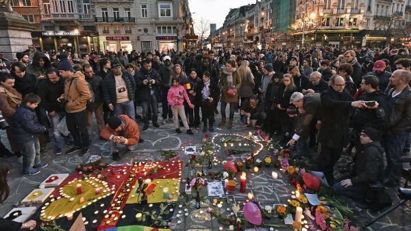 Pietní shromáždění po teroristických útocích v Bruselu.