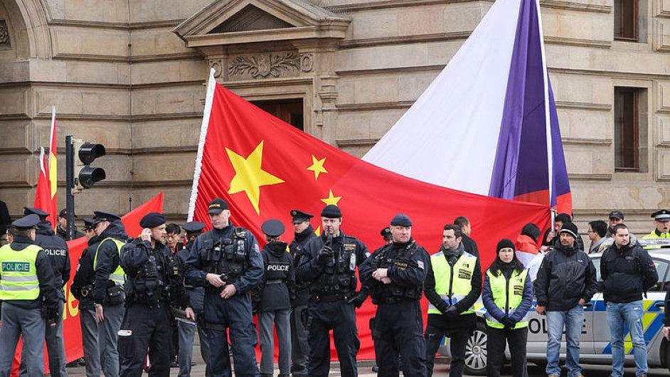 Marvanová: Postup policie mě pobouřil, takhle zasahovali komunisti, chystáme žalobu na stát