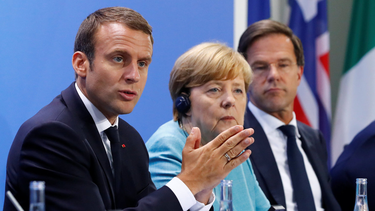 Emmanuel Macron, Angela Merkelová