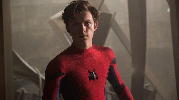Spider-Mana v novém filmu ztvárnil mladičký Tom Holland, který před pár dny oslavil 21. narozeniny.
