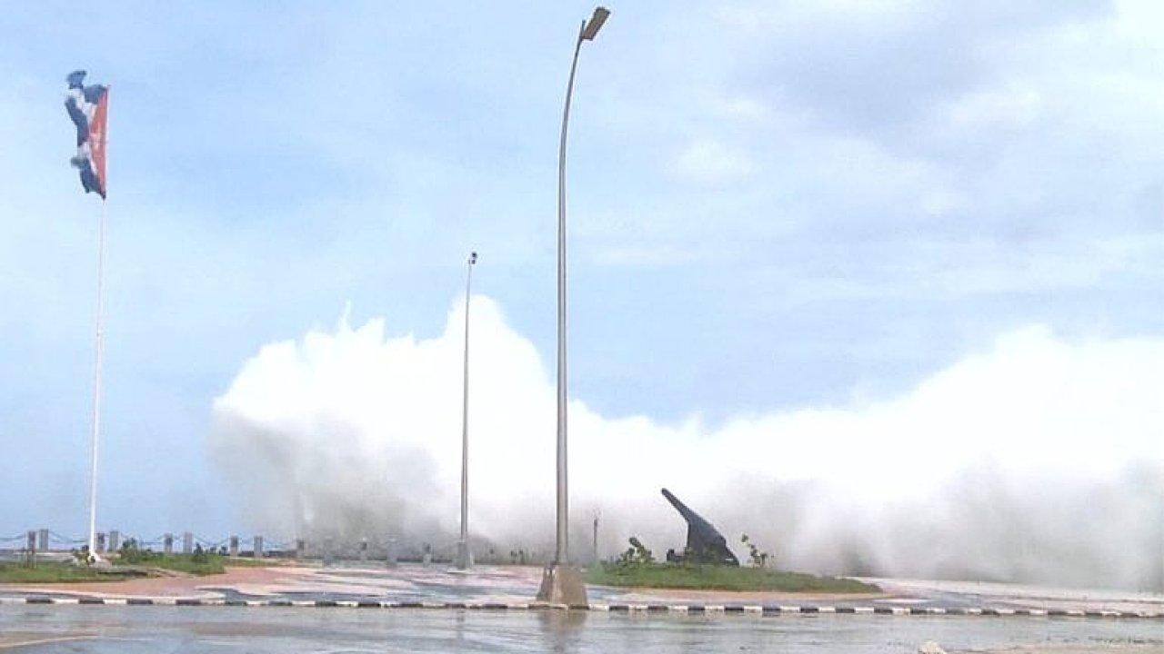Kamery zachytily řádění hurikánu Irma na Kubě
