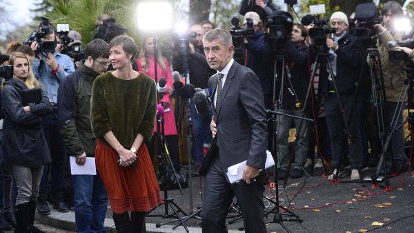 Vítěz vLánech. Předseda hnutí ANO Andrej Babiš se v pondělí sešel sprezidentem Milošem Zemanem.
