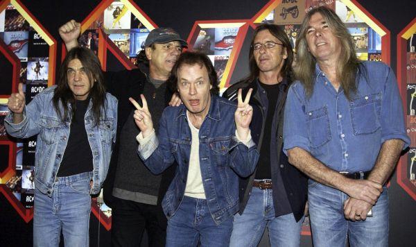 Zemřel spoluzakladatel AC/DC Malcolm Young