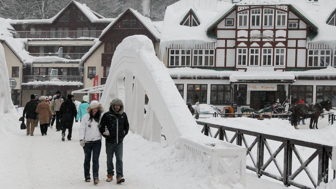 Horské hotely a penziony jsou na svátky a silvestra už téměř vyprodané. Největší zájem je o Jizerské hory a Krkonoše, včetně Špindlerova Mlýna (na snímku).