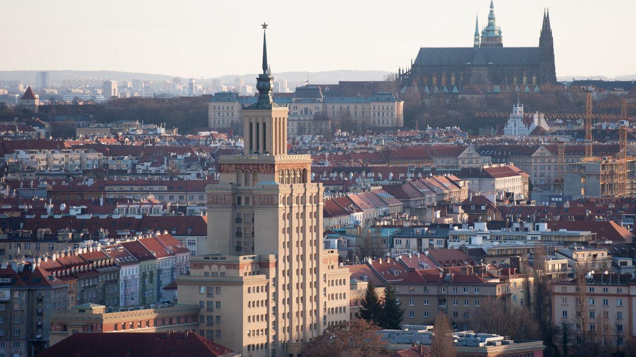 Hotel, Praha, Hradčany, Pražský hrad. International, Internacionál. Internacionála. komunismus. Socialistický realismus.