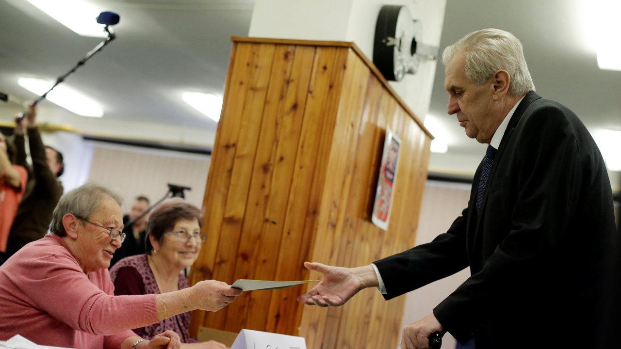 Miloš Zeman odvolil v pražských Stodůlkách.