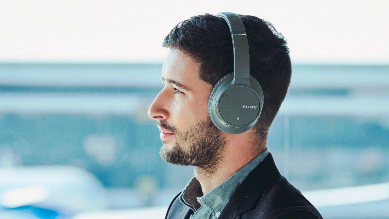 Levná bezdrátová sluchátka Sony WH-CH700N.