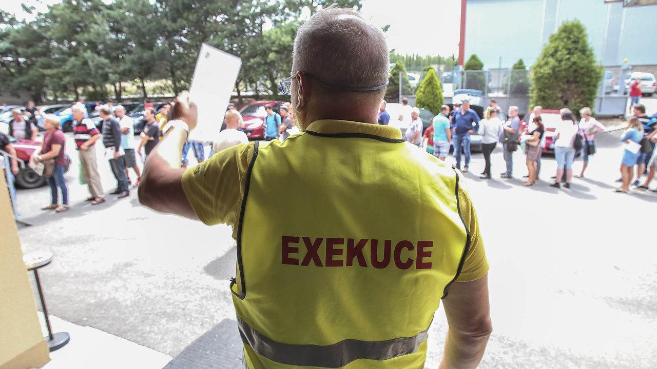 Přerovský exekutorský úřad zaměstnává zhruba dvě stovky lidí.
