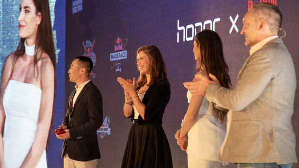 Alex Wang, Eva Samková, Ivana Španović a Chris Hunt