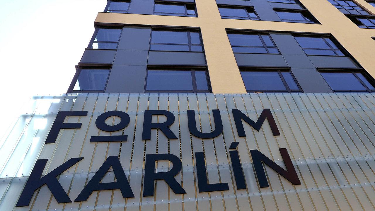 Novináři si 9. června prohlédli víceúčelovou halu s kapacitou 3000 míst nového administrativně-společenského projektu Forum Karlín v Praze.