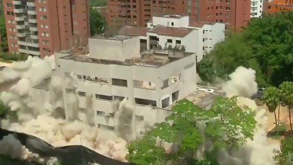 Kolumbijské úřady vyhodily do povětří dům narkobarona Pabla Escobara. Řídil odtud svůj drogový kartel