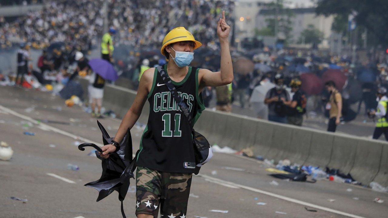 V Hongkongu se lidem nelíbí nový zákon o vydání obyvatel bývalé britské kolonie dopevninské Číny.