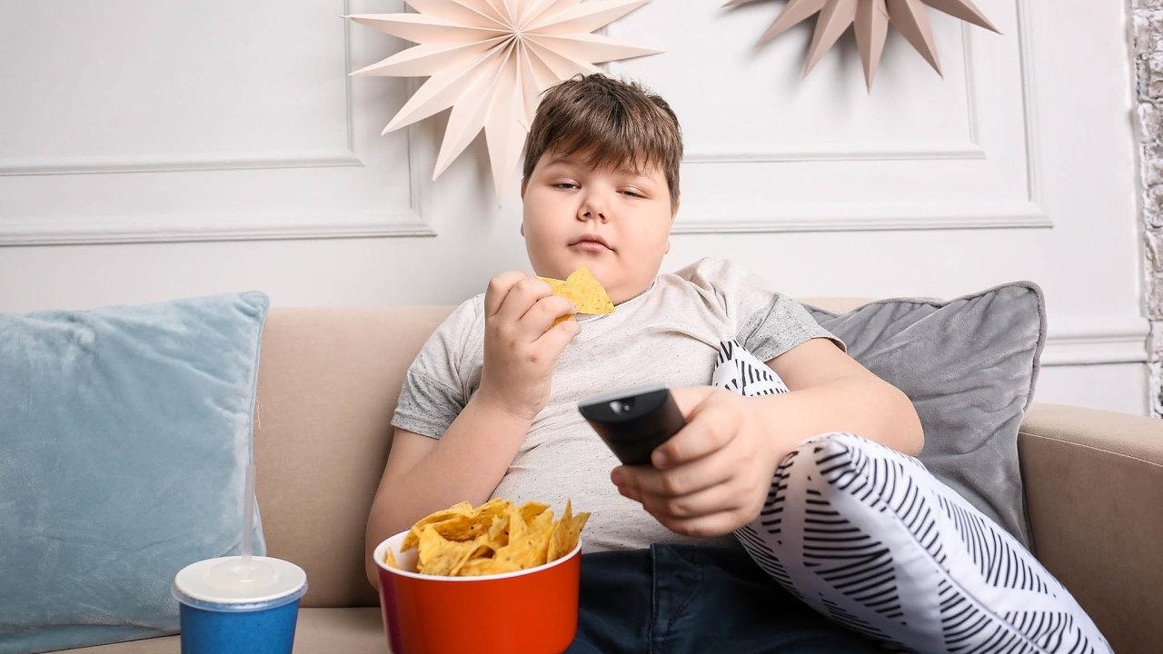 Nadváhu má dnes skoro 25procent dětí, téměř 154 tisíc dětí je obézních, ztoho 34 tisíc má extrémní obezitu, říká dětský obezitolog.