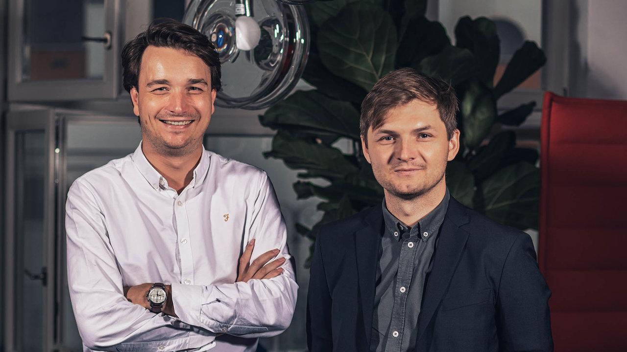 Architekti: Ateliér Ondřeje Chybíka (ve světlé košili) aMichala Krištofa příští rok oslaví 10let.