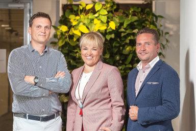 Zleva: Jan Filip, obchodní ředitel, Mibcon; Hana Součková, generální ředitelka, SAP ČR; JindřichKoryčan,ředitel prodeje, BernhardtFashion