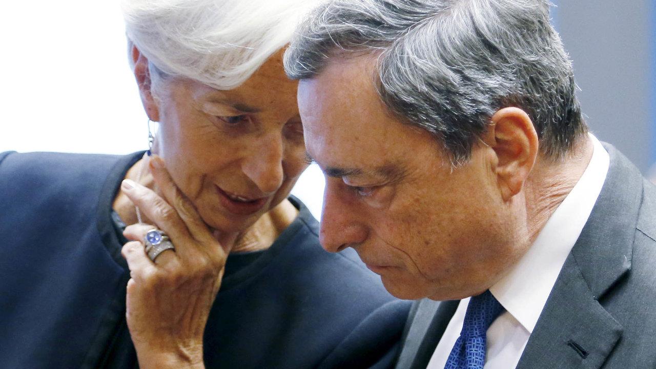 Dosavadní šéfka Mezinárodního měnového fondu Christine Lagardeová (vlevo) vystřídá od listopadu v čele Evropské centrální banky prezidenta Maria Draghiho (vpravo).