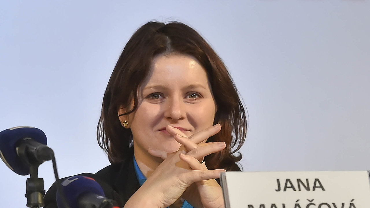 Maláčová připomněla, že štědřejší variantu prosazovala už před rokem. Během koaličních jednání pak ale souhlasila skompromisem, který část rodičů vynechává.
