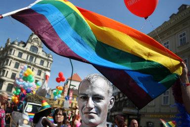 Každý rok se všichni zaměstnanci firmy Primeros účastní festivalu Prague Pride, aby vyjádřili podporu LGBT komunitě.