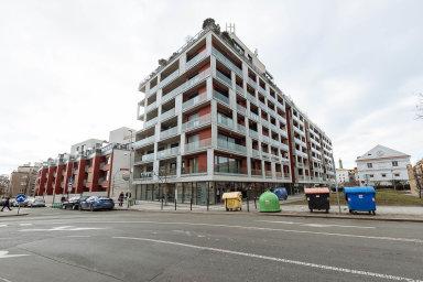 """Nouze o bydlení přetrvává, přestože se loni poprvé od roku 2008 na území Prahy podařilo zahájit výstavbu více než pěti tisíc bytů. Přesně jich bylo 5429. Jedná se o rekord """"pokrizové"""" dekády."""