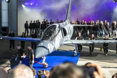 Klíčovým produktem Aera dobudoucna má být cvičný proudový letoun L-39NG. Jeho vývoj zahájila Penta společně sOmnipolem vroce 2015.