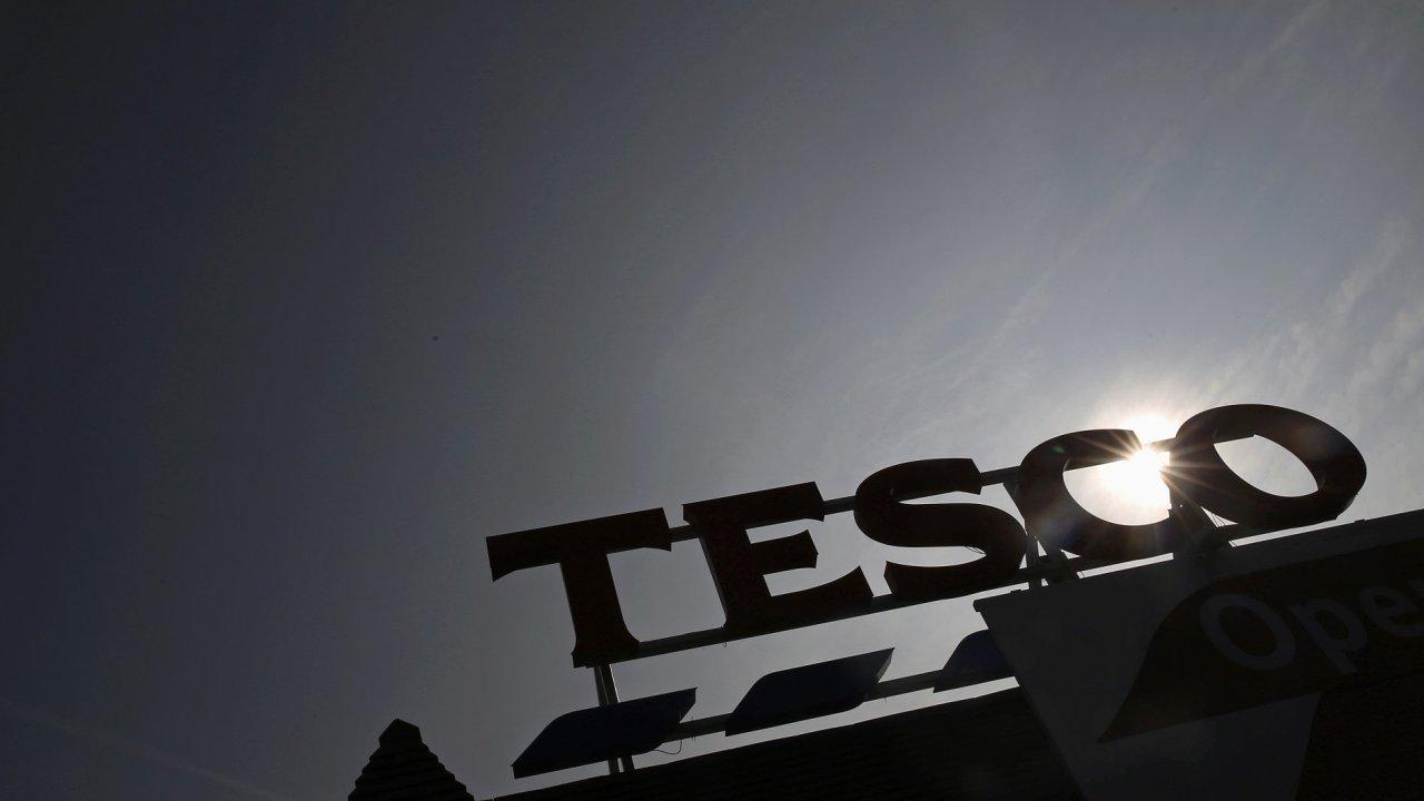 Na český trh Tesco vstoupilo v roce 1996. V účetním roce 2018/2019, který skončil loni 28. února, firma v Česku meziročně téměř zdvojnásobila zisk na 2,53 miliardy korun.