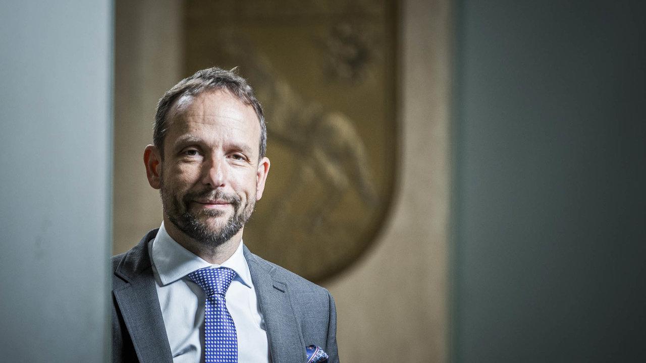 Pomoc, kterou město Ostrava nabízí podnikatelům, podle primátora Tomáše Macury (ANO) postupně nabízejí také městské obvody i další města.