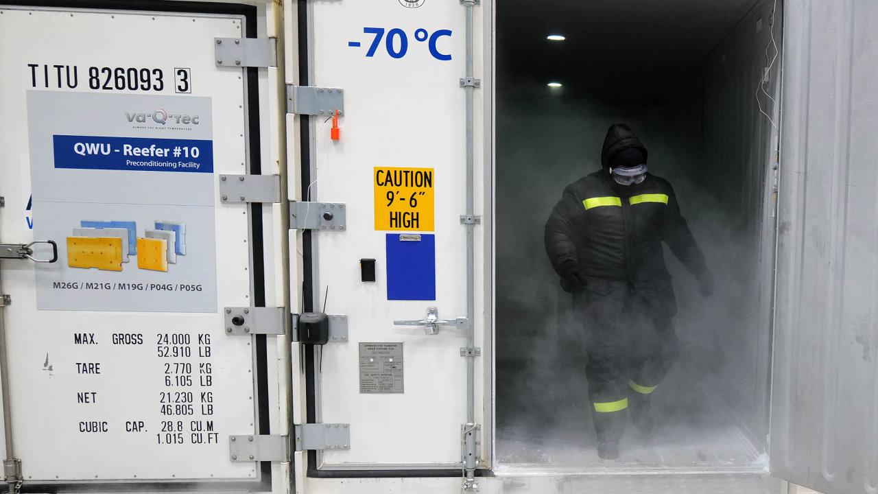 Firma Va-Q-Tec z Würzburgu patří kněkolika málo světovým výrobcům dodávajícím speciální chladicí boxy určené napřepravu očkovacích vakcín. Osvědčily se i při přepravě testovacích souprav nacovid.
