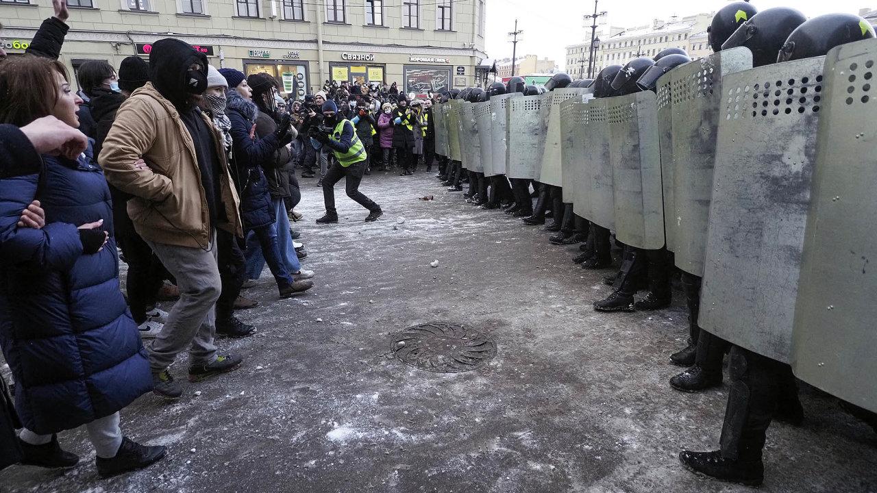 Jeden zprvních tahů. Nedopustit masové demonstrace. Lidé vRusku protestují proti zatčení A.Navalného.