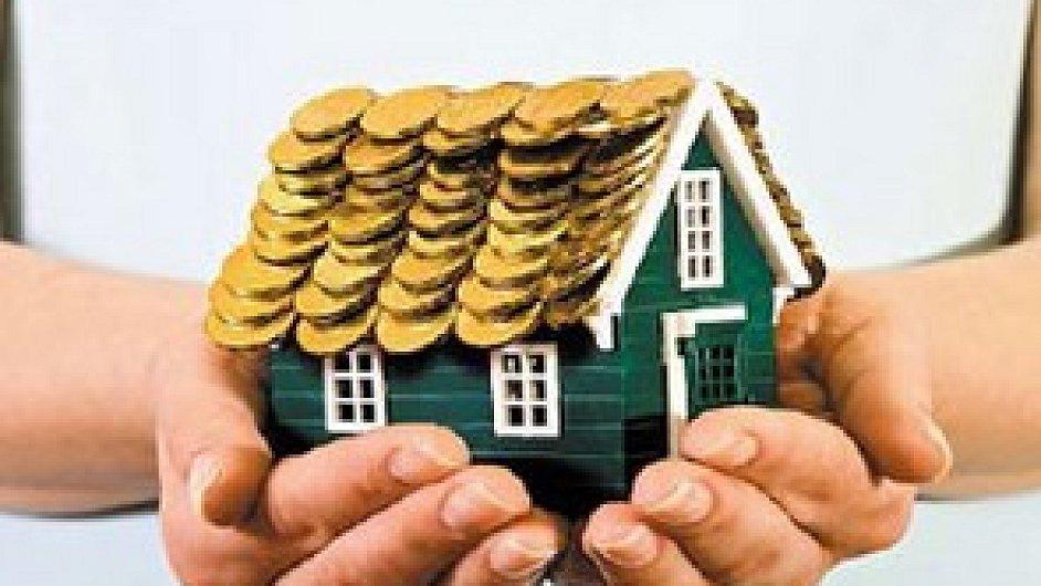 Zájem o stavební spoření snižují i atraktivní hypotéky.