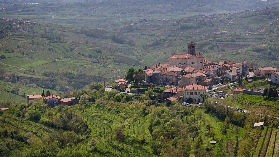 Rozmanitost klimatu a zajímavé místní odrůdy dělají z výletu za slovinskými víny příjemné dobrodružství.