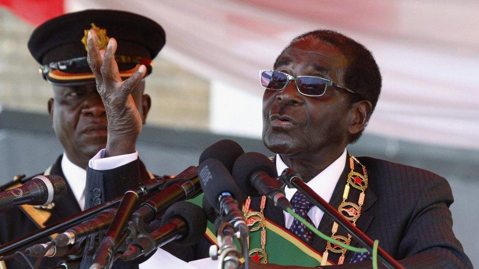 Robert Mugabe během projevu
