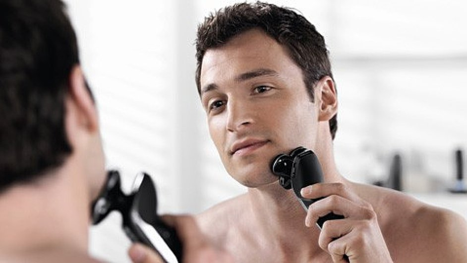 Muži ustupují od holení - ilustrační foto