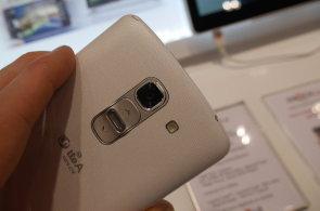 LG G Pro 2 naživo: Špičkově vybavený přerostlý telefon s podporou LTE-Advanced umí nadchnout