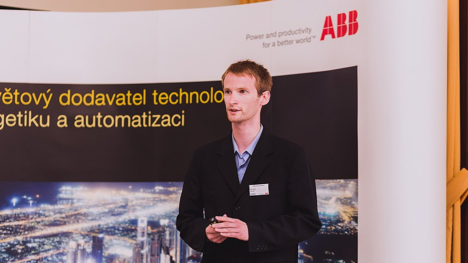 Vitezem ABB University Award 2014 se stal Peter Kočiš se svoji praci na téma orientační ústrojí průmyslových robotů.