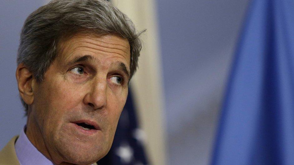 Americký ministr zahraničí John Kerry během tiskové konference se svým ukrajinským protějškem Pavlo Klimkinem ve Washingtonu