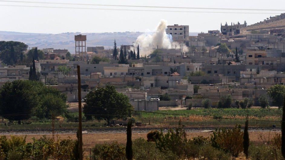 Kurdské město Kobani na severu Sýrie je obléhané islamisty už dva týdny.