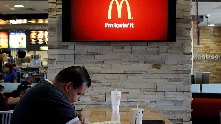 49 % Rusů si podle průzkumu přeje uzavřít všechny pobočky McDonald's v zemi.