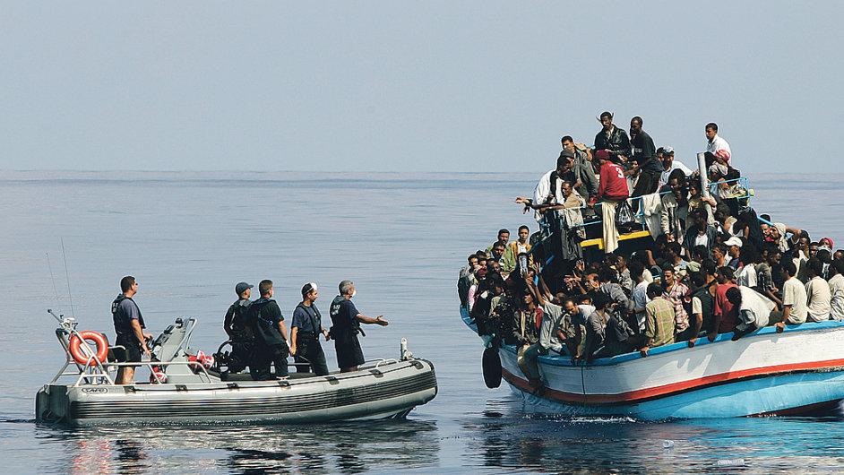 216 300 lidí požádalo o azyl v EU v prvních šesti měsících letošního roku.