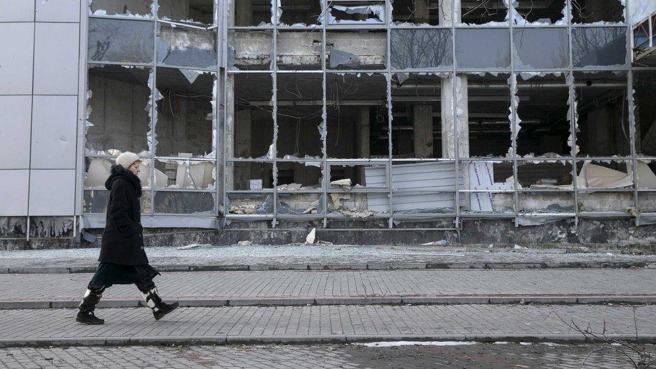 Po dlouhých bojích umlkla střelba i v Doněcku.