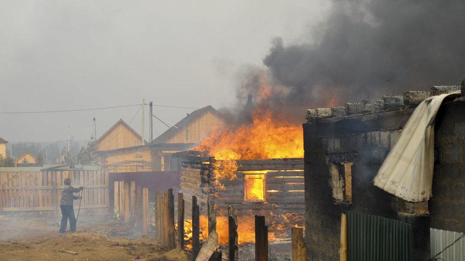 Plocha požárů se do středy rozrostla na čtyřnásobek.
