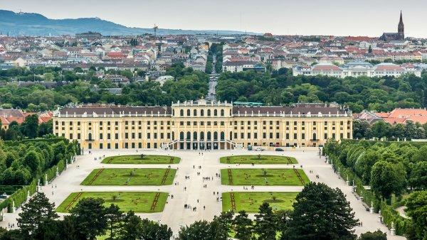Rakousko úspěšně prodalo dluhopisy v přepočtu za téměř 100 miliard korun. Ty budou splaceny až v září roku 2117.