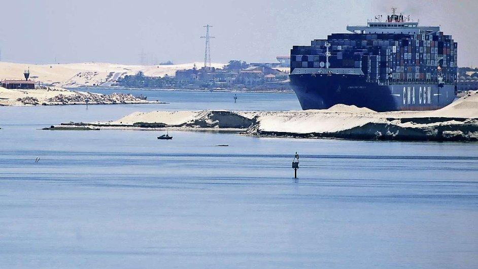Suezský průplav.