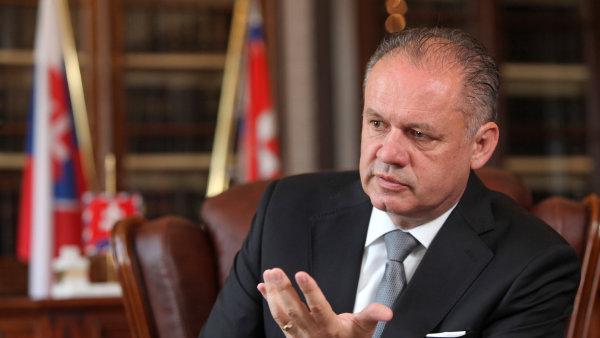 Slovensk� prezident ve sv�m novoro�n�m projevu zd�raznil nutnost �e�en� dom�c�ch probl�m�, nap��klad chaosu ve zdravotnictv�.