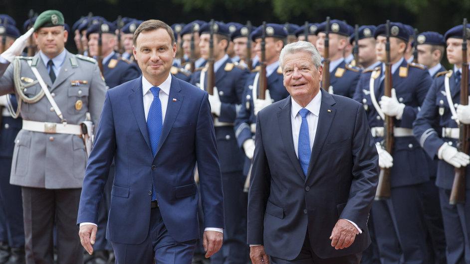 Nový polský prezident Andrzej Duda se sešel se svým německým protějškem Joachimem Gauckem. Řešili migraci i Ukrajinu.