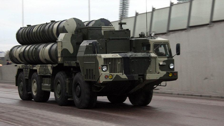 Státní Rosoboronexport loni vyvezl zbraně za 13 miliard dolarů.