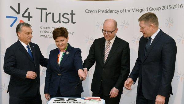 Mimořádný summit zemí Visegrádské skupiny 15. února 2016 v Praze. Zleva maďarský premiér Viktor Orbán, polská premiérka Beata Szydlová, český premiér Bohuslav Sobotka a slovenský premiér Robert Fico.