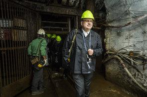 Ministr průmyslu a obchodu Jan Mládek si myslí, že pohledávka bude s velkou pravděpodobností splacena.